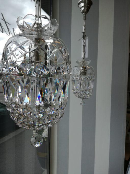 Kristallikruunu Titania Sisustusstudio Vitriini