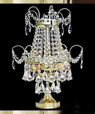 Pöytävalaisin kristallilamppu Tsekkiläinen kristalli Titania Sisustusstudio Vitriini