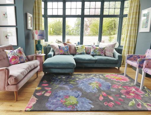 Romanttinen koti kaunis matto kukkakuvio villamatto Harlequin Sisusstusstudio Vitriini