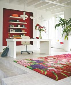 kodikas punainen matto kukka Sisustusstudio Vitriini