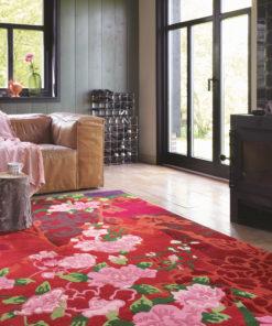 Punainen matto villamatto kukkamatto Harlequin Sisustusstudio Vitriini