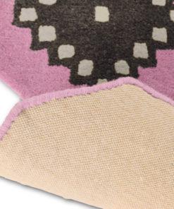 Sisustusstudio Vitriini Ted Baker TedBaker villamatto matto Iviv siksak reuna muotoon kudottu