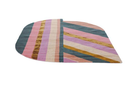 Sisustusstudio Vitriini villamatto matto Ted Baker TedBaker geometrinen raita pinkki