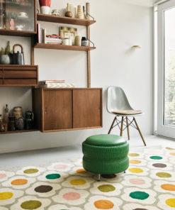 villamatto matto retro värikäs kukkakuvio Sisustusstudio Vitriini