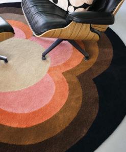 pyöreä matto villamatto retro värikäs geometrinen sisustusstudio Vitriini